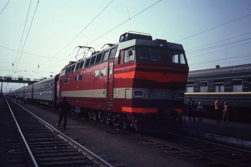 34-lyzhW9yQ-a0
