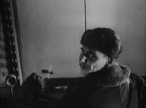 Глубокий рейд (1938).mp4_snapshot_12.26_[2016.05.12_16.02.46]