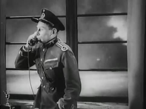 Глубокий рейд (1938).mp4_snapshot_20.27_[2016.05.12_16.13.40]