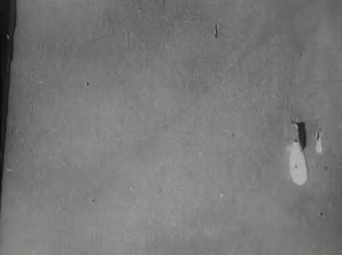 Глубокий рейд (1938).mp4_snapshot_25.48_[2016.05.12_16.21.18]