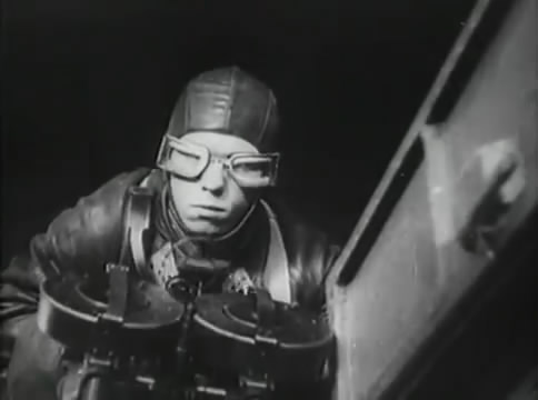 Глубокий рейд (1938).mp4_snapshot_46.32_[2016.05.12_16.46.37]