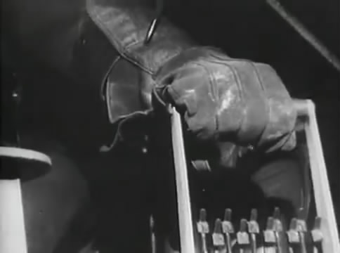 Глубокий рейд (1938).mp4_snapshot_49.41_[2016.05.12_16.52.23]