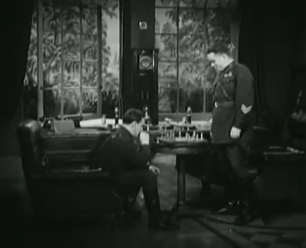 Танкисты (1939).mp4_snapshot_00.02.11_[2016.05.15_11.24.12]