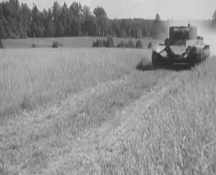 Танкисты (1939).mp4_snapshot_00.29.57_[2016.05.15_12.02.41]