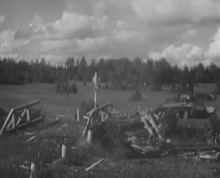Танкисты (1939).mp4_snapshot_00.31.34_[2016.05.15_12.04.37]