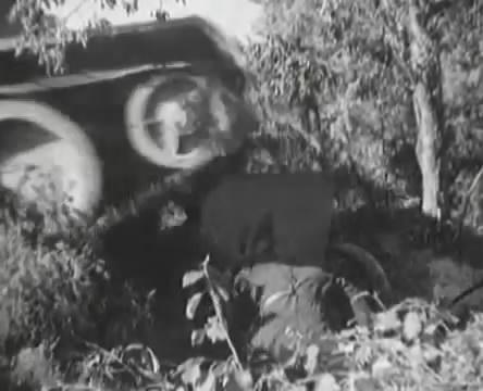 Танкисты (1939).mp4_snapshot_00.32.59_[2016.05.15_12.07.07]