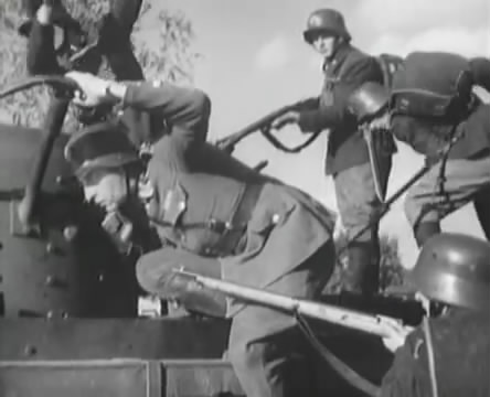Танкисты (1939).mp4_snapshot_00.45.36_[2016.05.15_12.24.55]