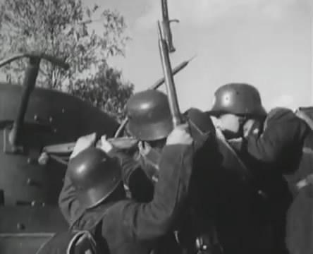 Танкисты (1939).mp4_snapshot_00.46.27_[2016.05.15_12.26.03]