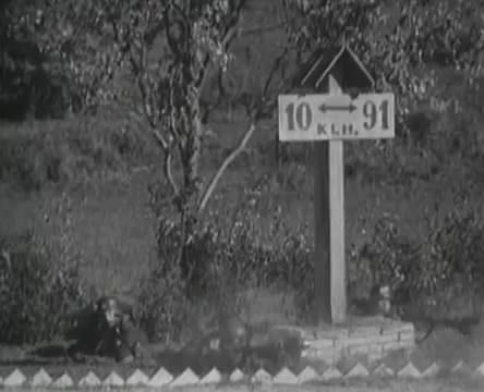 Танкисты (1939).mp4_snapshot_00.50.09_[2016.05.15_12.31.21]