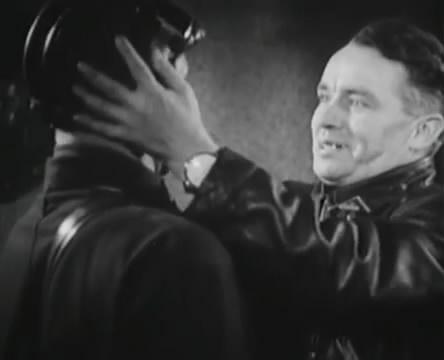 Танкисты (1939).mp4_snapshot_00.53.00_[2016.05.15_12.36.56]