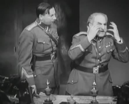Танкисты (1939).mp4_snapshot_01.04.39_[2016.05.15_12.50.59]