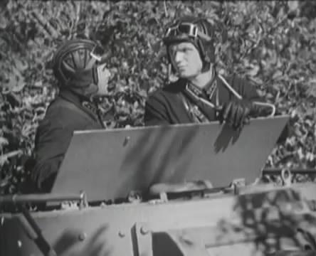 Танкисты (1939).mp4_snapshot_01.10.47_[2016.05.15_12.56.49]