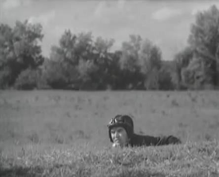 Танкисты (1939).mp4_snapshot_01.11.21_[2016.05.15_12.57.25]