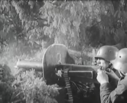 Танкисты (1939).mp4_snapshot_01.11.24_[2016.05.15_12.57.32]