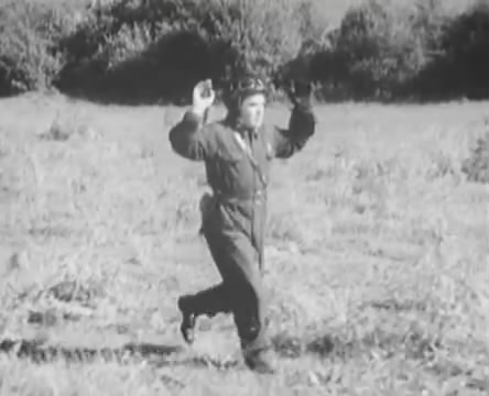 Танкисты (1939).mp4_snapshot_01.12.01_[2016.05.15_12.58.31]
