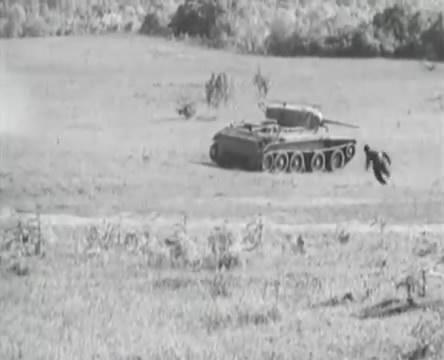 Танкисты (1939).mp4_snapshot_01.12.56_[2016.05.15_12.59.37]