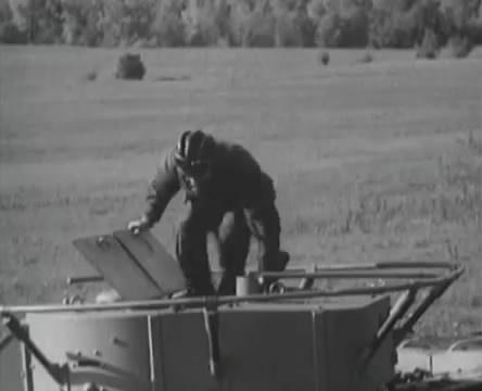 Танкисты (1939).mp4_snapshot_01.13.18_[2016.05.15_13.00.02]