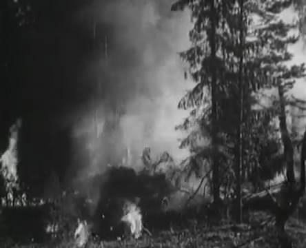 Танкисты (1939).mp4_snapshot_01.19.11_[2016.05.15_13.05.37]