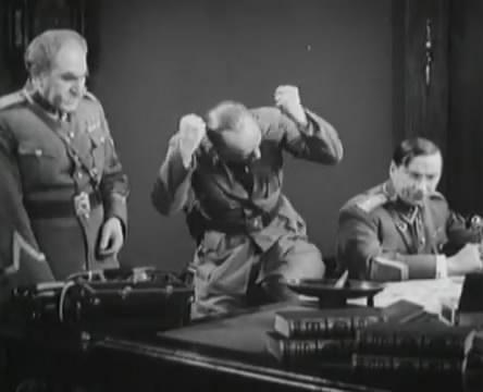 Танкисты (1939).mp4_snapshot_01.21.10_[2016.05.15_13.07.49]