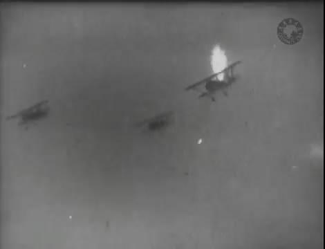 Эскадрилья №5 _ Война начинается (1939).mp4_snapshot_00.38.38_[2016.05.20_11.41.14]