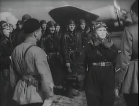 Эскадрилья №5 _ Война начинается (1939).mp4_snapshot_00.45.42_[2016.05.20_11.55.52]