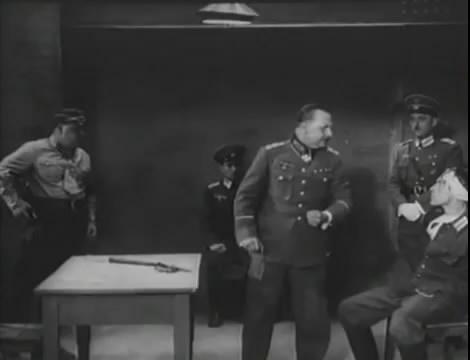 Эскадрилья №5 _ Война начинается (1939).mp4_snapshot_01.02.50_[2016.05.20_12.17.05]