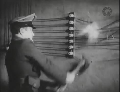 Эскадрилья №5 _ Война начинается (1939).mp4_snapshot_01.16.10_[2016.05.20_12.33.16]