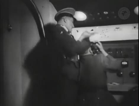 Эскадрилья №5 _ Война начинается (1939).mp4_snapshot_01.17.02_[2016.05.20_12.34.21]