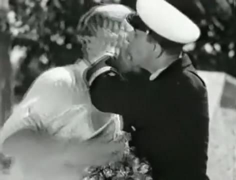 Моряки (1939).mp4_snapshot_00.11.59_[2016.06.01_16.05.56]