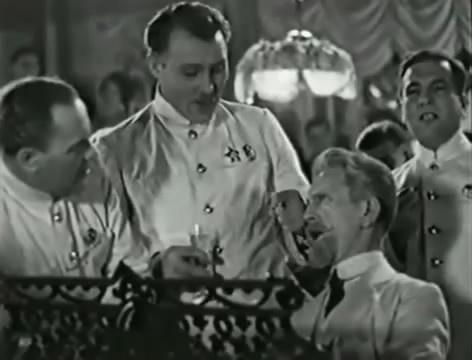 Моряки (1939).mp4_snapshot_00.18.50_[2016.06.01_16.23.24]