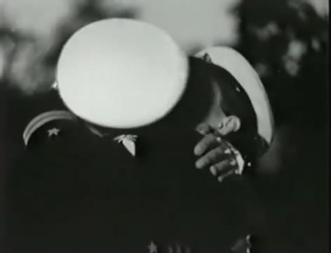 Моряки (1939).mp4_snapshot_00.29.38_[2016.06.02_10.30.54]