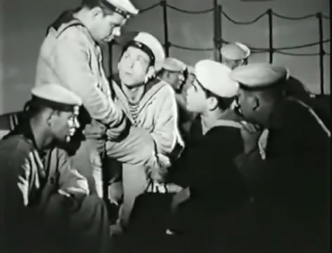 Моряки (1939).mp4_snapshot_00.33.10_[2016.06.02_10.35.42]