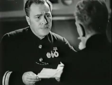 Моряки (1939).mp4_snapshot_00.33.54_[2016.06.02_10.36.30]