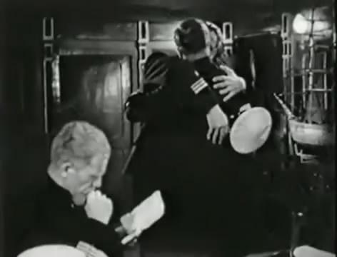 Моряки (1939).mp4_snapshot_00.35.40_[2016.06.02_10.38.30]