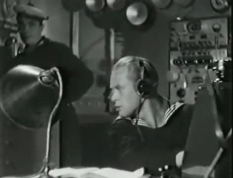 Моряки (1939).mp4_snapshot_00.46.17_[2016.06.02_15.25.41]