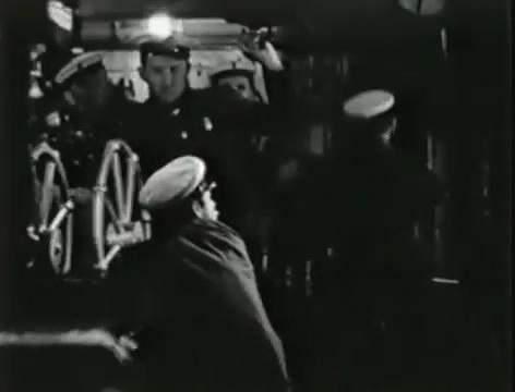 Моряки (1939).mp4_snapshot_00.48.43_[2016.06.02_15.28.59]