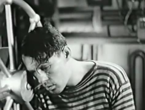 Моряки (1939).mp4_snapshot_00.53.25_[2016.06.02_15.37.28]