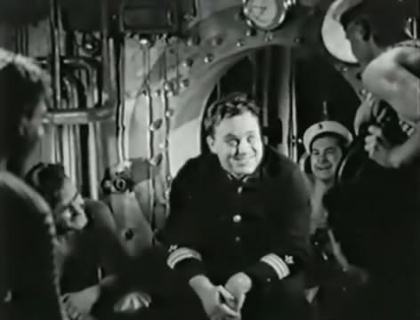 Моряки (1939).mp4_snapshot_00.55.06_[2016.06.02_15.39.31]