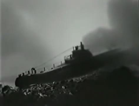 Моряки (1939).mp4_snapshot_00.56.35_[2016.06.02_15.41.23]