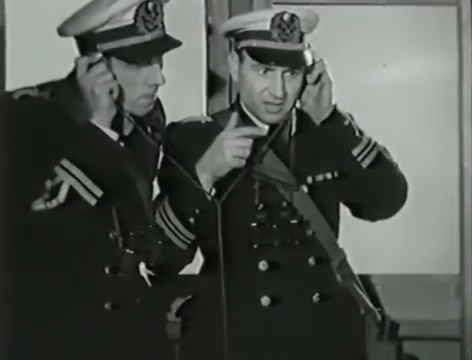 Моряки (1939).mp4_snapshot_00.58.26_[2016.06.02_15.43.28]
