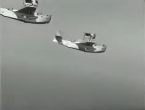 Моряки (1939).mp4_snapshot_01.03.00_[2016.06.02_15.48.45]