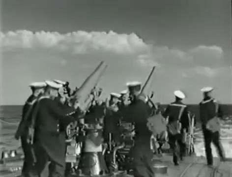 Моряки (1939).mp4_snapshot_01.03.45_[2016.06.02_15.49.49]