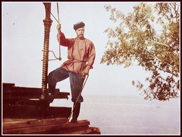 tsar_nicholas_in_the_russian_style_clothes_by_kraljaleksandar-d6e51oq