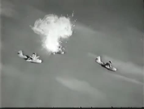 Моряки (1939).mp4_snapshot_01.04.14_[2016.06.02_15.50.39]