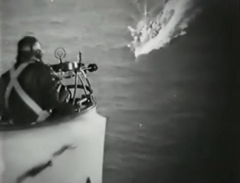 Моряки (1939).mp4_snapshot_01.04.23_[2016.06.02_15.50.52]