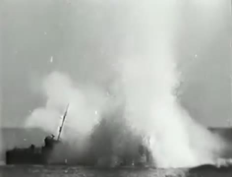 Моряки (1939).mp4_snapshot_01.04.45_[2016.06.02_15.51.33]