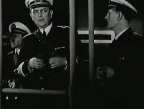Моряки (1939).mp4_snapshot_01.06.13_[2016.06.02_15.53.17]