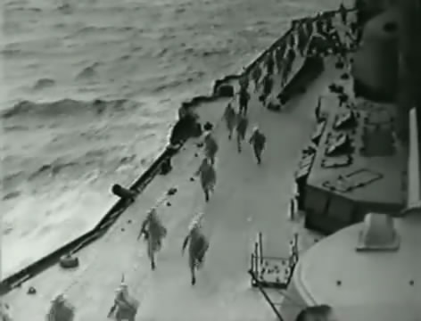 Моряки (1939).mp4_snapshot_01.07.55_[2016.06.02_15.55.14]