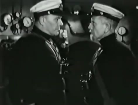 Моряки (1939).mp4_snapshot_01.13.24_[2016.06.02_16.01.42]