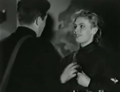Моряки (1939).mp4_snapshot_01.16.44_[2016.06.02_16.06.11]